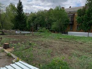 В Челябинске после скандала с аптекой в сквере хотят ввести наказание за вырубку деревьев