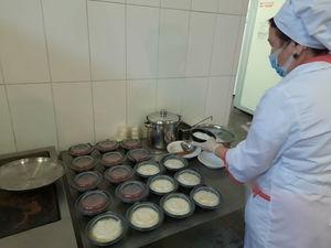 Еду для спецбригад красноярской станции скорой помощи готовят на алюминиевом заводе