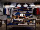 «Всем нужен кэш». Магазины одежды и обуви начнут работу с распродаж