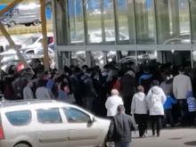 В Дзержинске гипермаркет закрыли из-за очередей на входе