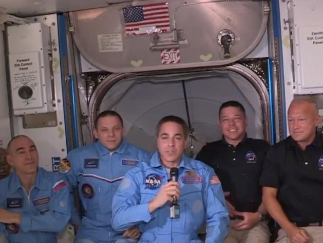 Корабль компании Илона Маска успешно пристыковался к МКС