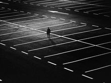 В трех местах в центре Новосибирска запретят ночную парковку