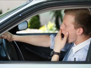 Половина красноярских водителей засыпала за рулем