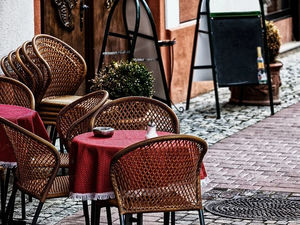 Нижегородским рестораторам разрешили открыть летние веранды. Но с ограничениями