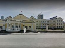 В Екатеринбурге банкротят помощника уральского экс-полпреда Холманских
