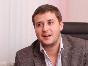 В Челябинске известного бизнесмена доставили в отдел полиции с подозрением на COVID-19