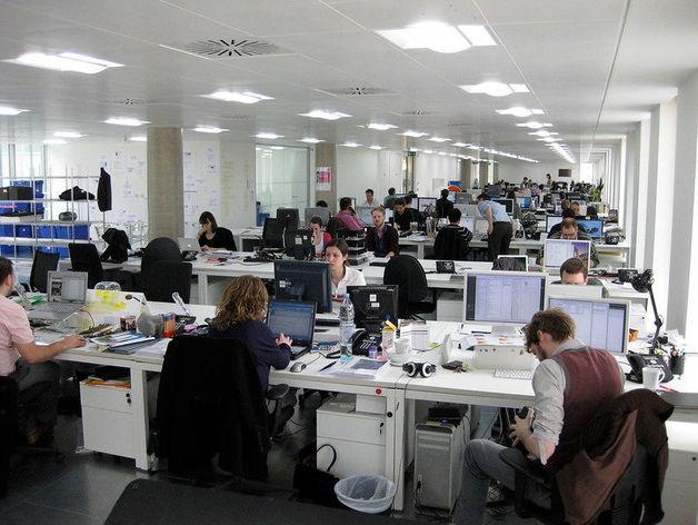 Три четверти работников в России вернулись с удаленки в офисы. К чему им тяжело привыкнуть