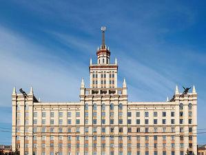 Напротив ЮУрГУ в Челябинске заработал второй «сухой» фонтан