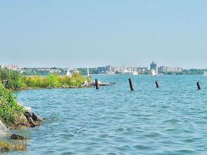 В Челябинске с размахом благоустраивают набережную озера Смолино