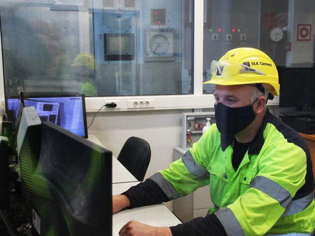 Как ведущие производители цемента в УрФО перевели производство на «цифру»: ОПЫТ