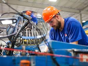 «Почти замерла». Промышленность в России падает и восстановится нескоро