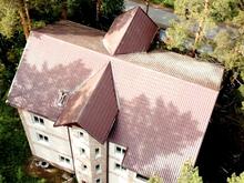 Трехэтажное «поместье» выставлено на продажу в Новосибирске
