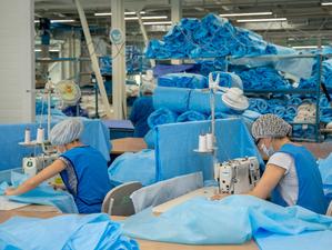 «Здравмедтех-Новосибирск» увеличит выпуск медицинской одежды за счет участия в нацпроекте