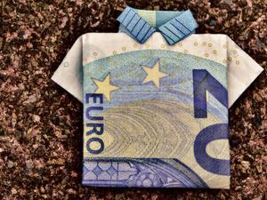 Короли рынка — евро и золото. Рубль вновь полетел вниз, позиции доллара слабеют
