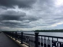 Красноярск предупредили о штормовом ветре