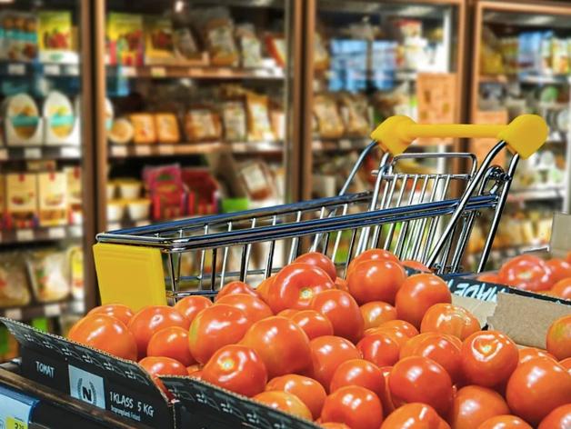 Питерский ритейлер запустил в Екатеринбурге сервис заказа продуктов питания