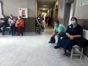 Заболеваемость COVID-19 снижается. Больницы возвращаются к доковидному режиму работы