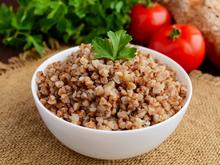 Красноярские ученые составили замедляющую старение диету на основе гречки
