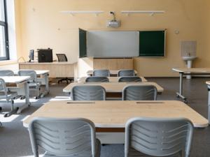 Вторая смена в школах и третий этап отмены ограничений. Главное о COVID-19 в регионе