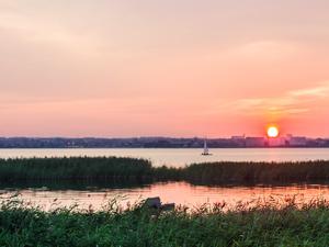 Тихий уголок или активный досуг: что хотят видеть челябинцы на набережной озера Смолино