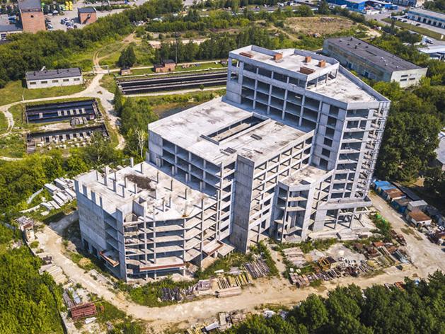 В Екатеринбурге продают офисник за полмиллиарда рублей. Он непригоден для эксплуатации