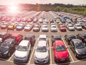 Продажи новых автомобилей в Красноярском крае сократились почти на 40%