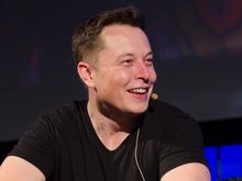 Акции Tesla прыгнули вверх. Теперь Илон Маск — четвертый в списке богатейших людей мира