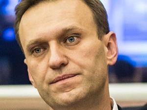 Навального готовы лечить в Европе. Но его отказываются выпускать из омской больницы