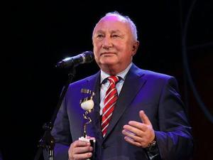Гендиректор «Уральских авиалиний» получил награду от российского президента