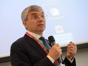 Губернатор наградил производителя «Триазавирина» знаком отличия