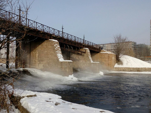 В Челябинске горожане скидываются на новый мост у Миасса