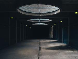 Стало известно, почему в Новосибирске подешевели гаражи и парковки