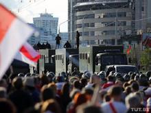 Майор ударил женщину в висок, задержаны 400 человек. Главное о протестах в Беларуси