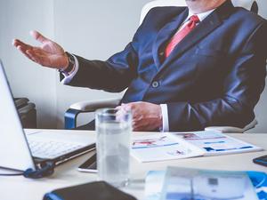 «Сегодня боссы не знают, что их фирма производит. Видят только цифры в отчетах и картинки»