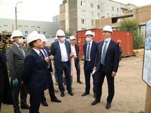 Краевые депутаты посетили стройку корпуса онкодиспансера