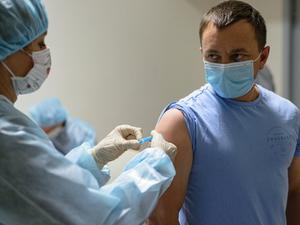 Городская скорая помощь готовится ко второй волне коронавируса. Главное о COVID в регионе