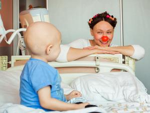 Больничные клоуны запустили благотворительный «Фотоквест в горошек»!