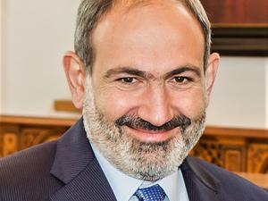 Армения думает, признать ли Нагорный Карабах. Азербайджан грозит самым жестким ответом