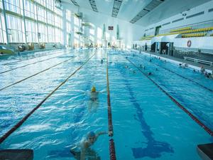 Аристов передал Антипову непрофильные активы ЧЭМК — дворец спорта и бассейн «Ариант»