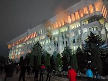 Протесты в Киргизии: президентский дворец захватили, итоги выборов пересмотрят