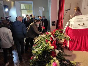 Нижегородцы простились с журналисткой Ириной Славиной