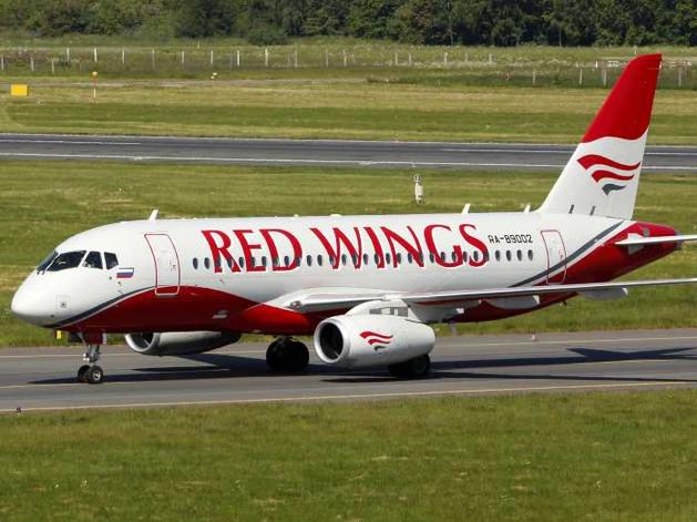 25 новых маршрутов из Екатеринбурга в города России. Red Wings создает хаб в Кольцово