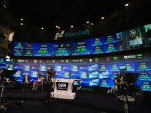Американские индексы умеренно растут, в России акции падают: главное на рынке инвестиций