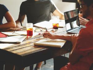 57 компаний получили поддержку при трудоустройстве молодых специалистов