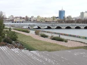 Обновленная набережная, дворы и будущий эко-сквер: как изменился Калининский район