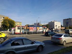 На перекрестке Свердловского-Победы развалилась только что уложенная плитка