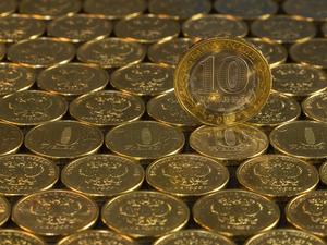 «Важен не курс, а стабильность». В понедельник утром рубль рухнул ниже, чем в 2014 году