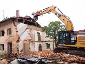 Мэр Высокинский подписал программу расселения аварийных домов