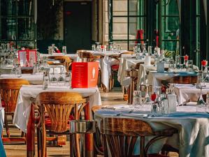 Новые пандемийные реалии: рестораны нанимают с осторожностью