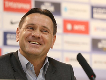 ФК «Енисей» обязали расплатиться с Аленичевым и его помощниками